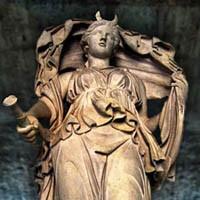 ecate statua  Divinità hecate la strega